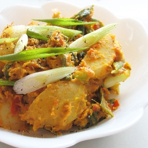 Gujarati Potatoes and Spring Onions Sautéed in Chickpea Flour