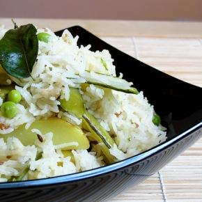 Matar Bhaat- Fluffy Basmati Rice with Fresh Peas