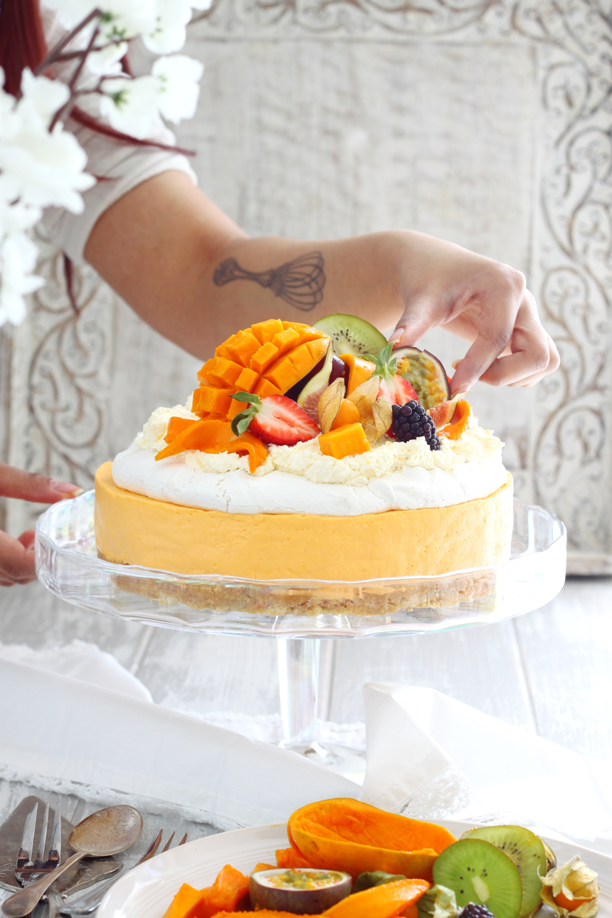 Alphonso Mango Pavlova Cheesecake (Eggless and No-Bake Recipe)