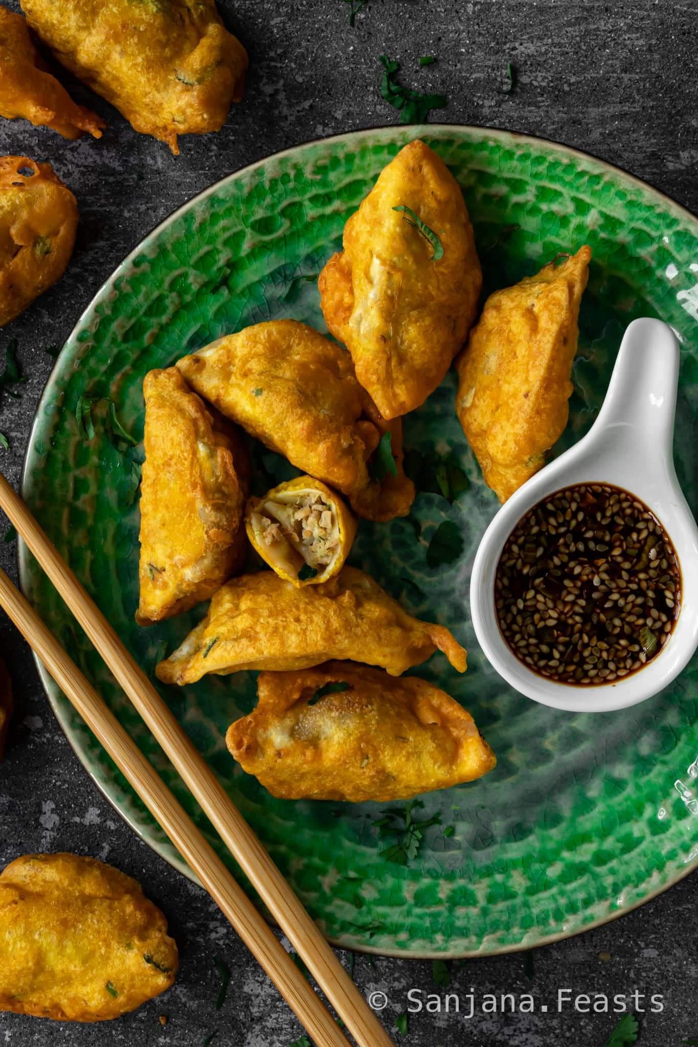 Gyoza Bhajia (Dumpling Bhajia)