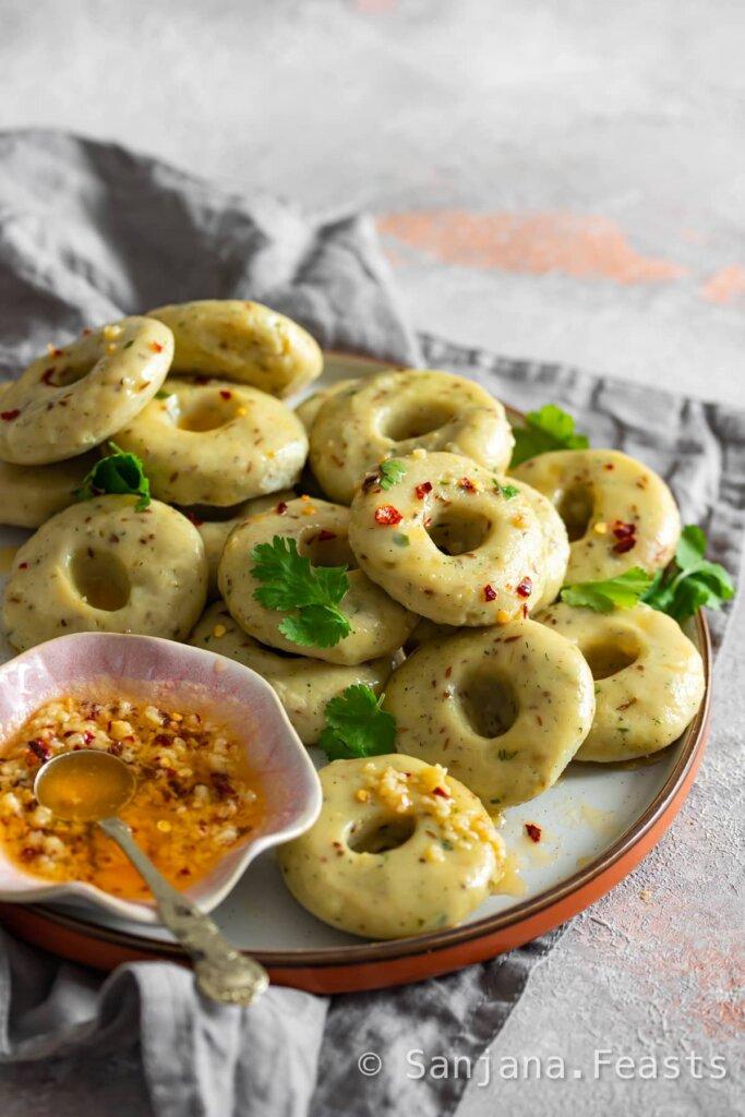 Easy recipe for Gujarati Khichu Khichi Papdi no lot