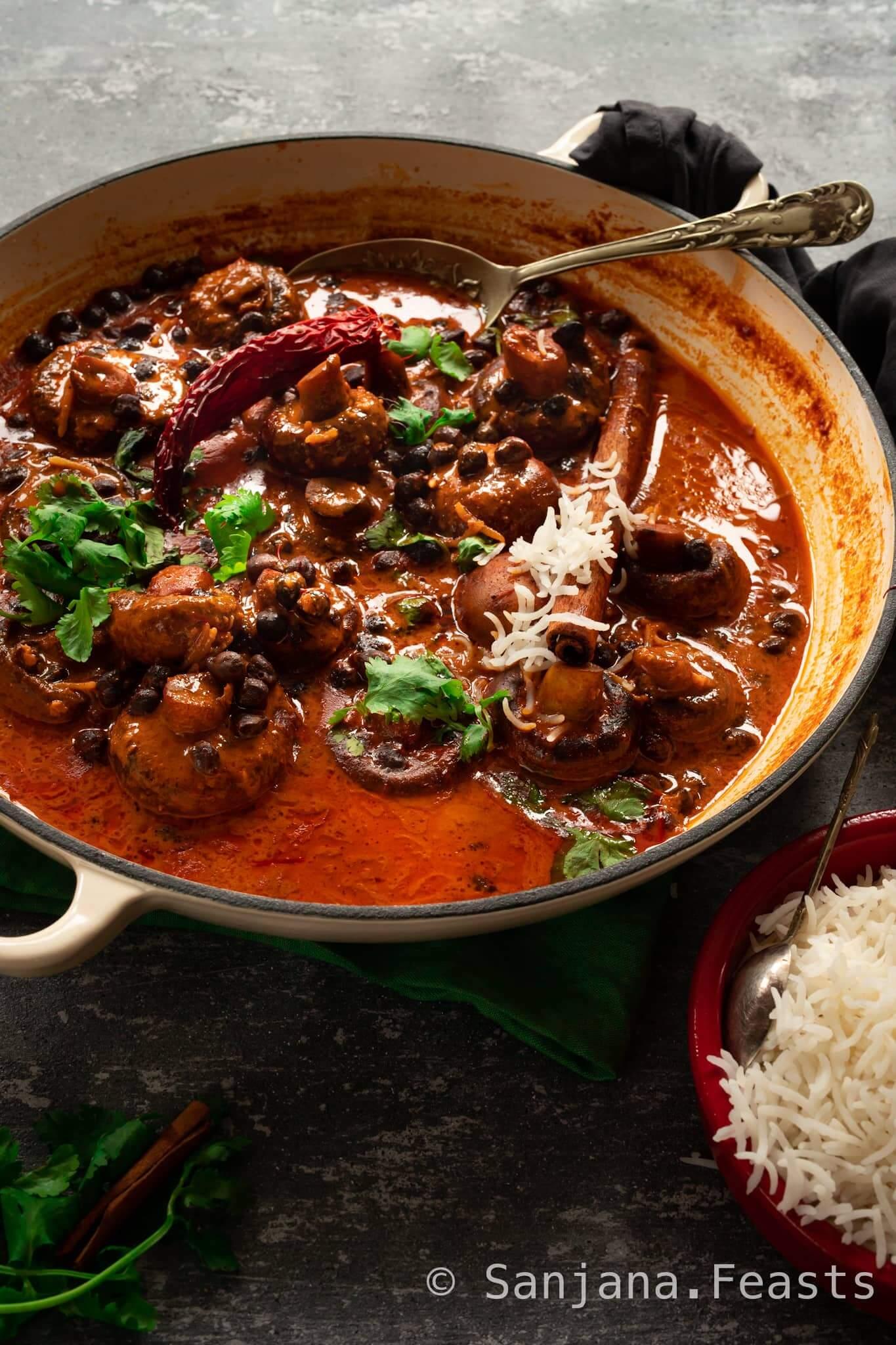 Kashmiri Mushroom and chickpea rogan josh recipe